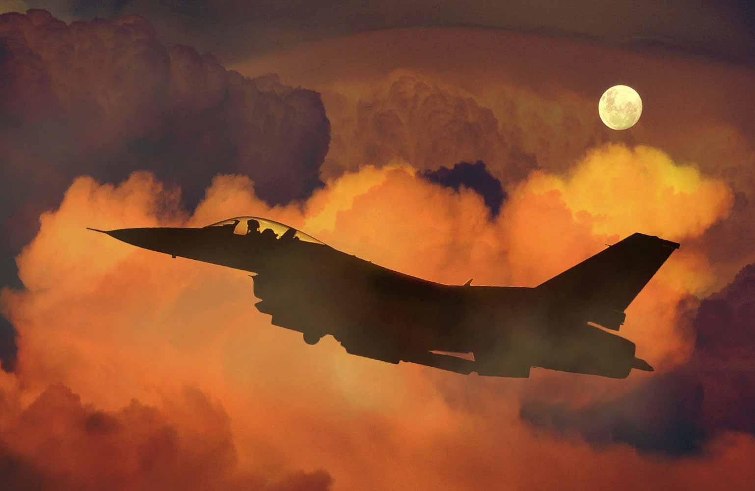 Jet fighter - On sunset